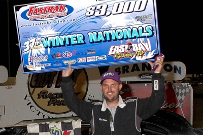 Mark Whitener wrapped up his three-race sweep at East Bay. (DirtonDirt.com)