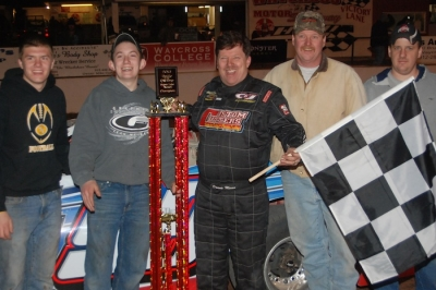 Donnie Moran and his team enjoy victory lane at Waycross. (DirtonDirt.com)