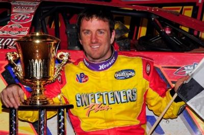 Tim McCreadie enjoys victory lane at 311 Motor Speedway. (focusedonracing.com)