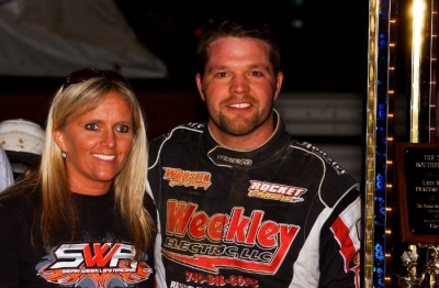 Doug Drown and his wife Joy in victory lane at Southern Ohio. (rickschwalliephotos.com)