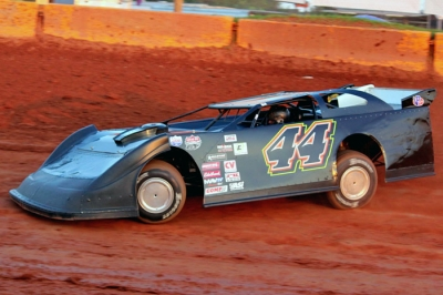 Chris gets rolling before his victory at Cherokee Speedway. (Howard Lawson)