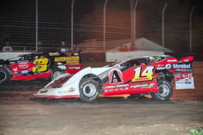 Kyle Berck (14) gets ready to move by Jimmy Segraves (3). (Jerry Jacobs)