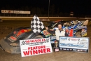 When Ronny Lee Hollingsworth was light at the scales, Cliff Williams inherited the NeSmith Chevrolet Series touring victory Aug. 31 at Magnolia Motor Speedway. (foto-1.net)